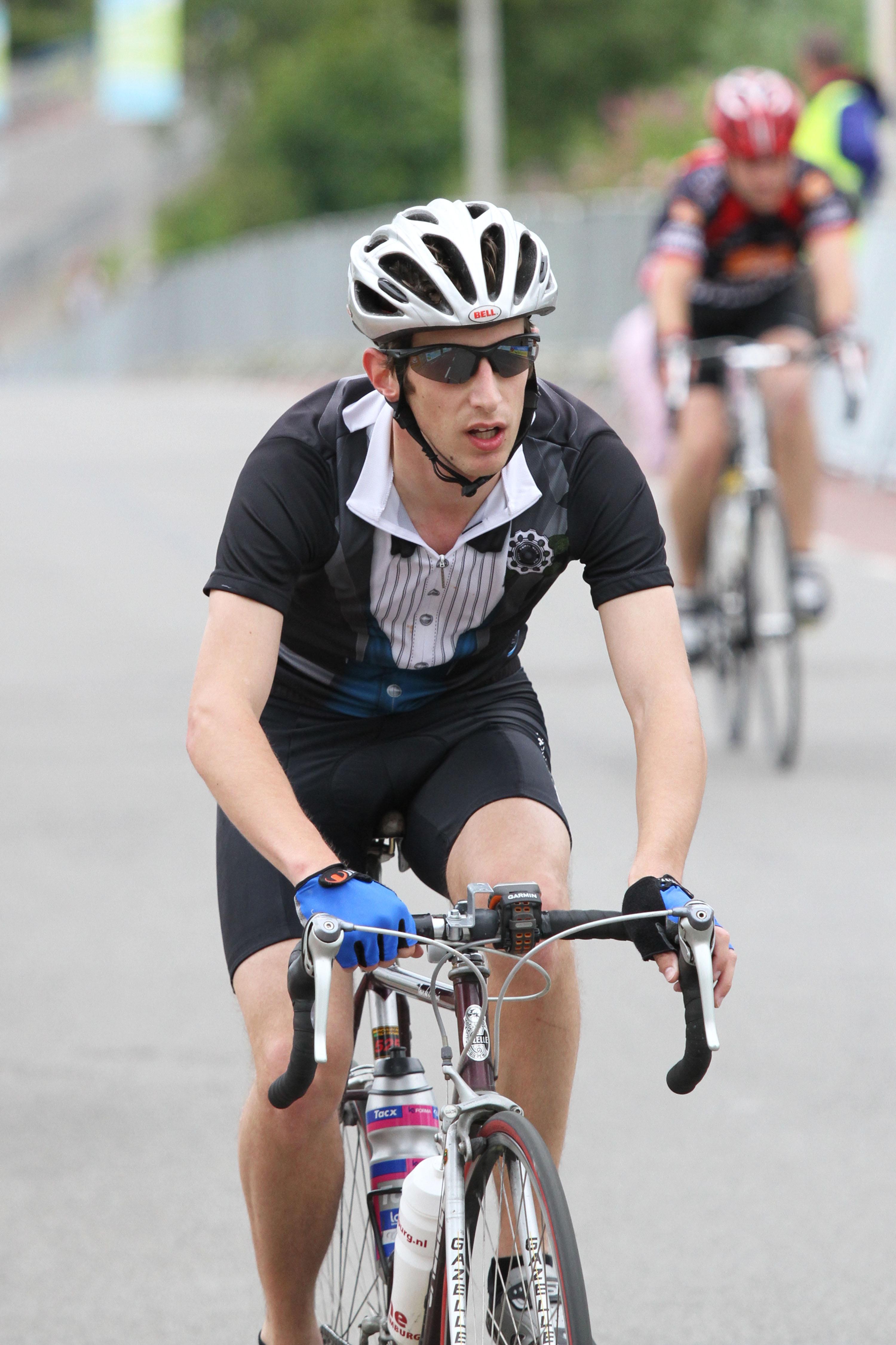 Ronde van Wolder: hardloper op de fiets